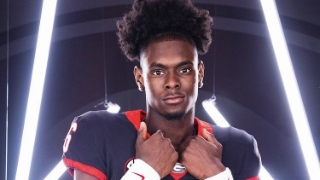 Dawgs Make Top Group For 4-star WR Target